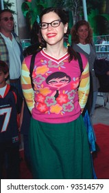 "08NOV98: Pop singer LISA LOEB at Hollywood premiere of ""The Rugrats Movie."""