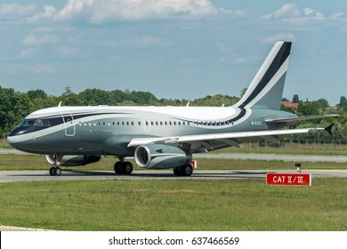 09 May 2017 Landed at Turin Airport in Italy, arriving from New York Newark, Dmitry Rybolovlev Airbus A319CJ, owner of AS MONACO. It played in Turin the semifinal of UEFA Champions League.