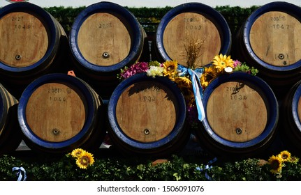 09/15/2019, in Moosburg / Bavaria, the traditional Autumn Show with the Autumn Show Pageant takes place for the 95th time. The tradition has existed since 1924. Decorated wooden beer kegs on a wagon