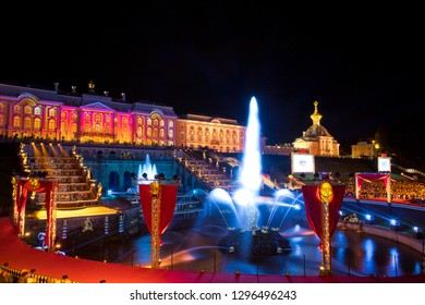 "09.22.18 Russia. Peterhof Fountain Festival ""Theatrical Novel"". View of the Samson Fountain and the Grand Palace"