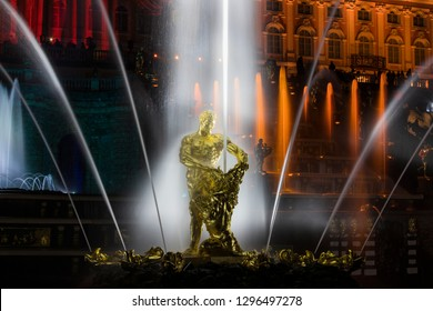 "09.22.18 Russia. Peterhof Fountain Festival ""Theatrical Novel"". View of the fountain ""Samson"""