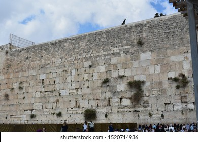 10 april 2018, Jerusalem, Israel.  The Western Wall, Wailing Wall, or Kotel, is an ancient limestone wall in the Old City of Jerusalem. It is considered holy due to its connection to the Temple Mount.