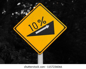10% ascent traffic sign