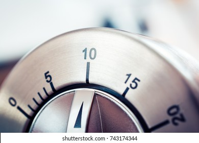 10 Minutes - Analog Chrome Kitchen Timer