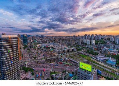 10/07/2019:Seoul,South Korea:Beautiful skyline with seoullo 7017 Skypark and Seoul station, Seoullo 7017 is the Skygarden Built atop a former highway overpass and similar to New York City's High line.