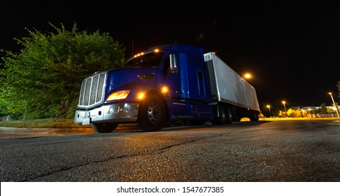 10.12.2019 Chicago Illinois, Freight truck industry. Dry Van and trailer on the delivery
