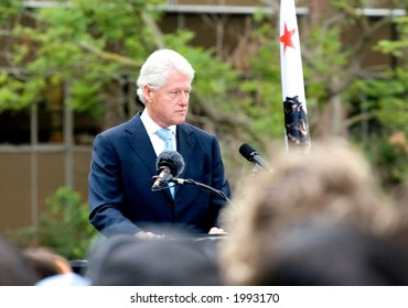 10-13-06 Bill Clinton at Yes on Prop 87 rally at UCLA