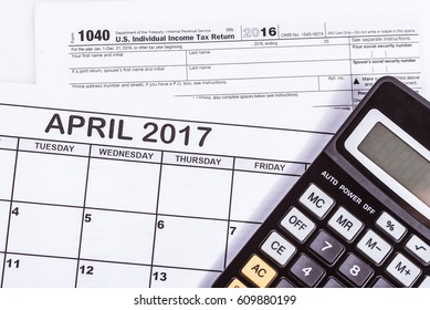 1040 tax return with calender