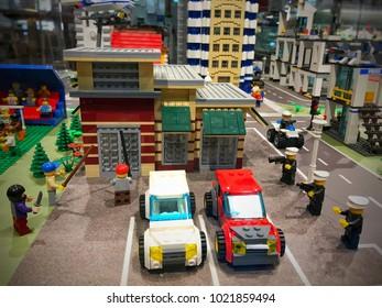 Lego Policeman Images Stock Photos Vectors Shutterstock