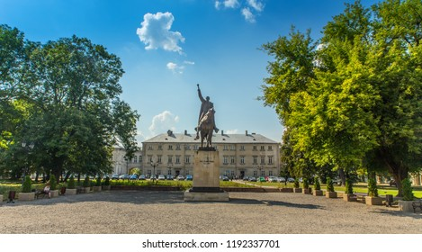 1.10.2018 Zamosc Poland - Monument Hetman Jan Zamojski in front of the palace of the Zamosc law