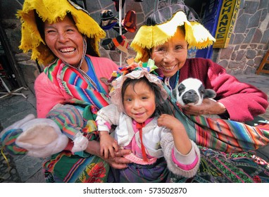 11.05.2014, Peru, Pisac, Quechua Indians in the town of Pisac market