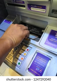 11/2018 at Ayutthaya Shopping Center Financial transactions by cash deposit with the cabinet. ATM of SCB