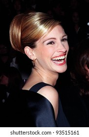 11JAN98:  Actress JULIA ROBERTS at the People's Choice Awards in Los Angeles where she won the Favorite Movie Actress award.