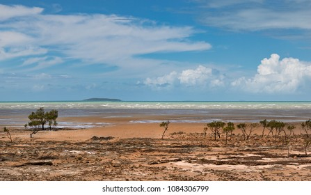 123 kilometres south of Mackay, Clairview is a seaside community on the Isaac Coast. Clairview is a rustic beachside community, with golden sands famous for crabbing.