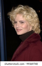 "12DEC99:  Actress JENNIFER JASON LEIGH at the Los Angeles premiere of ""The Talented Mr. Ripley.""  Paul Smith / Featureflash"