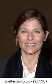 """13DEC99: Actress CATHERINE KEENER at the Los Angeles premiere of her new movie """"Simpatico.""""  Paul Smith / Featureflash"""