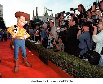 "13NOV99:  ""Toy Story"" character WOODY at the world premiere of Disney/Pixar's ""Toy Story 2"" at the El Capitan Theatre, Hollywood.   Paul Smith / Featureflash"
