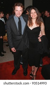 """13OCT98:  Actor AIDAN QUINN & wife ELIZABETH at the Los Angeles premiere of """"Practical Magic"""" in which he stars with Sandra Bullock, Nicole Kidman & Stockard Channing."""