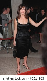 """13OCT98:  Actress SANDRA BULLOCK at the Los Angeles premiere of her new movie """"Practical Magic"""" in which she stars with Nicole Kidman, Aidan Quinn & Stockard Channing."""