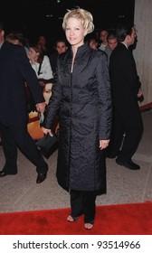 "13OCT98:  ""Dharma & Greg"" star JENNA ELFMAN at the Los Angeles premiere of ""Practical Magic"" which stars Sandra Bullock, Nicole Kidman, Aidan Quinn & Stockard Channing."
