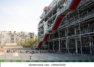 14 July 2018, Paris France : People queuing in the morning for the opening of the Centre Georges Pompidou modern art museum in Paris France