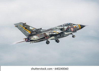 14 March 2017 Fast departure for this Panavia Tornado ECR with fantastic color from Turin Airport to Cagliari Decimomannu Military Airport. Aeronautica Militare. Italian Air Force. Torino 14/03/2017