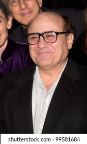 """14MAR2000:  Actor/director DANNY DEVITO at the world premiere, in Los Angeles, of """"Erin Brockovich"""" which stars Julia Roberts & Albert Finney.  Paul Smith / Featureflash"""