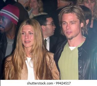 "14MAR2000:  Actress JENNIFER ANISTON & actor boyfriend BRAD PITT at the world premiere, in Los Angeles, of ""Erin Brockovich"" which stars Julia Roberts & Albert Finney.  Paul Smith / Featureflash"