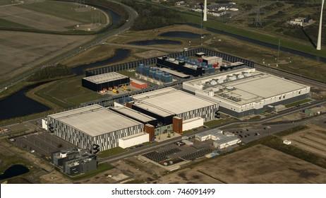 15 October 2017, Eemshaven, Holland. Aerial view of brand new datacenter of Google Alphabet near Delfzijl in the province of Groningen.