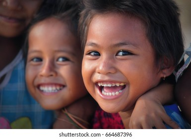 15.11.2012, Indonesia, Kuta village, Lombok island, Children of Lombok