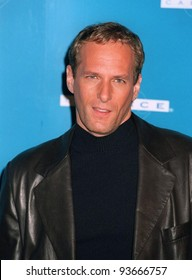 15NOV97:  Pop star MICHAEL BOLTON shows off his new short haircut at the CableACE Awards in Los Angeles.