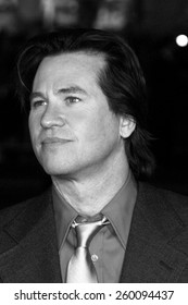 16 November 2004 - Hollywood, California - Val Kilmer. World premiere of Warner Bros. Pictures' 'Alexander' at Grauman's Chinese Theatre in Hollywood.