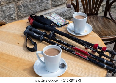 16/06/2019 Addingham, Yorkshire, UK, A Dales High Way between Skipton and Addingham Yorkshire Dales. Coffee before the start of a days hiking