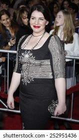 """16/11/2009 - Westwood - Stephenie Meyer at the Los Angeles Premiere of """"The Twilight Saga: New Moon"""" held at the Mann Village Theater in Hollywood, California, United States."""