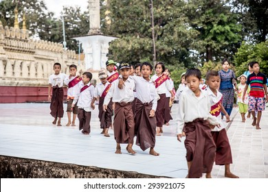 16-Nov-2014 Young myanmar student with teacher field trip at Buddha place.  Myanmar