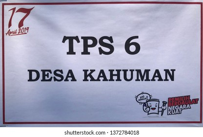 KLATEN,INDONESIA–APRIL 17,2019 :Voting place (TPS) sign on election day in Kahuman in Central java,Indonesia. Ayo memilih:let's vote. Pemilih berdaulat,negara kuat: Sovereign voters,strong countries.