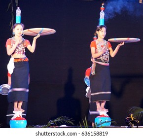 17th November 2016, Tata Nagar, India. Hojagiri Dance of the Reang tribe of Tripura are performing in Samvaad 2016 – A Tribal Conclave organised by Tata Steel