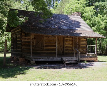 1800s Cabin on the farm at Kings Mountain.