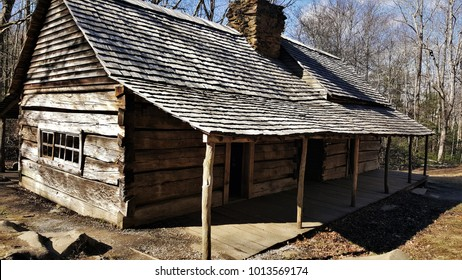 1800s cabin in the woods
