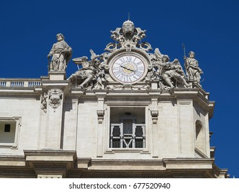19.06.2017, Vatican city, Roma, Italy: Statues and architectural details on Saint Peter square