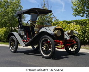 1909 Hudson Roadster restored to mint condition.