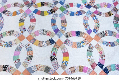 1930's Wedding Ring Pattern Hand Made Quilt
