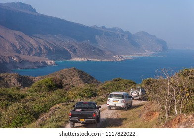 19th September 2015, Salalah Oman, Cars driving down the hills of Salalah towards the beach
