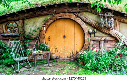 1st of December, 2018: Hobbit House at Hobbiton Movie Set - Matamata, South Island, New Zealand