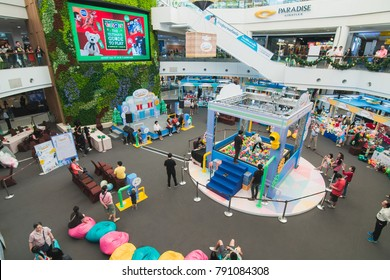 (2 January 2018) Paradise mall Bangkok Thailand. The kids play human claw grabber game for a new year gift.
