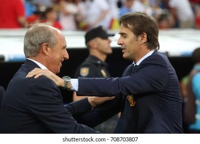 2 september 2017. Stadio Santiago Bernabèu, Madrid, Spain. FIFA 2018 World Cup Qualifier. Group G. Match between Spain vs Italy.Lopetegui greets Ventura before the match.