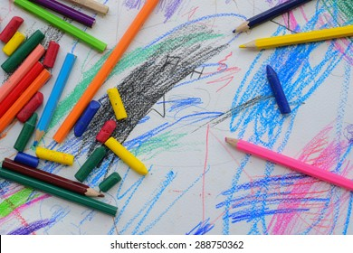 2 year old baby artist draw color on paper.baby can not draw thing,people and other but this line on paper is powerful and have art spirit