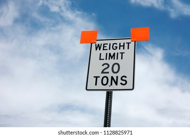 20 ton weight limit road sign