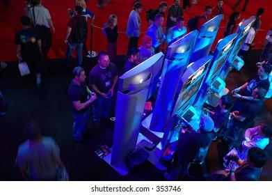 2005 E3 show floor