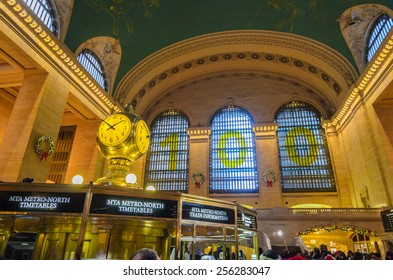 [2013-12-28] Grand Central Terminal, New York City which was first build in 1871. This is the largest subway terminal by number of platforms. Station building and passengers are in the photo.